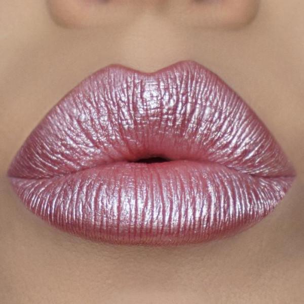 Metallic Liquid Iconic Kisses